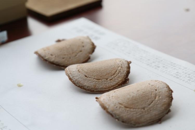 手づくりでできた臼杵煎餅