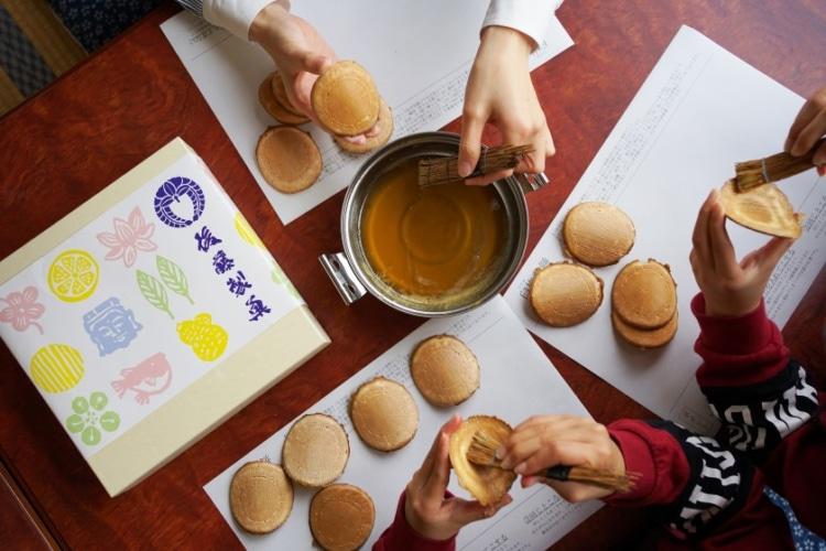 臼杵煎餅を自宅で手づくり