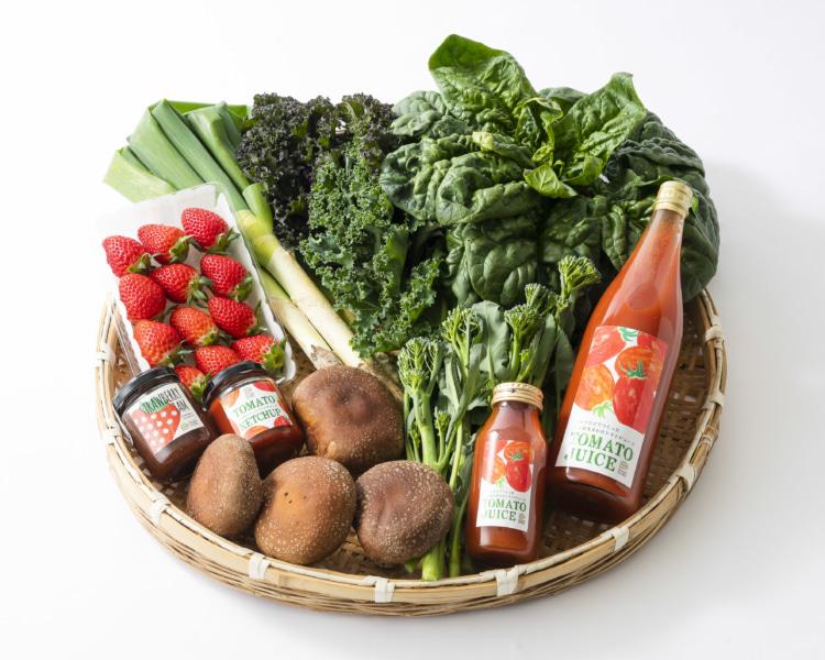 野菜やジュースのセット